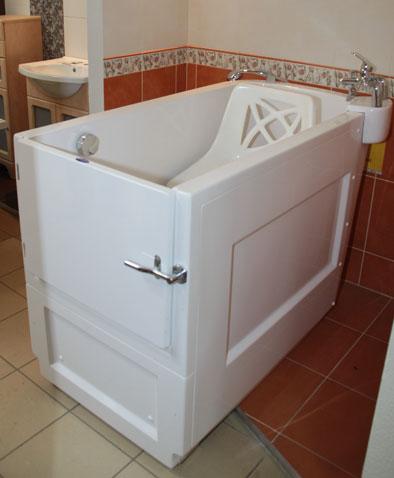 budo plast hersteller von badewannen mit t ren und. Black Bedroom Furniture Sets. Home Design Ideas